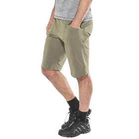 Klättermusen Magne - Pantalones cortos Hombre - Oliva